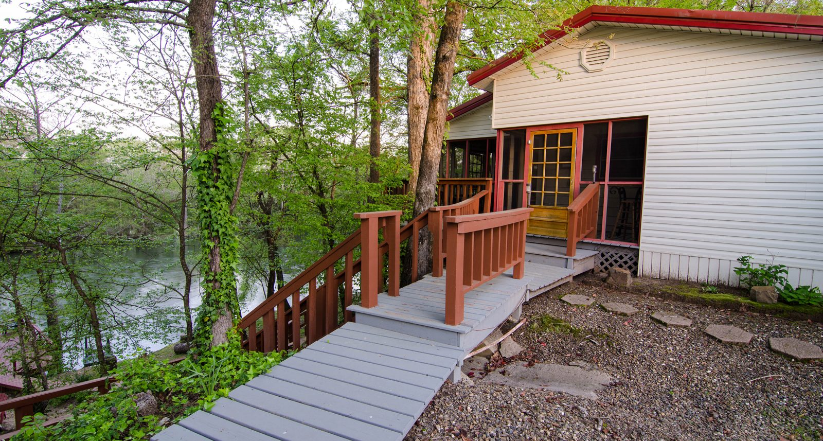 Fisherman On The River Cabins In Broken Bow